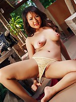 Pretty Tle Aree Dildo Play