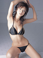 Aki Hoshino sweet Japanese babe in her bikini and high heels
