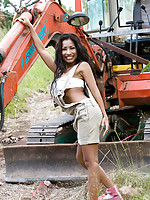 Lulusexbomb having fun with some heavy equipment