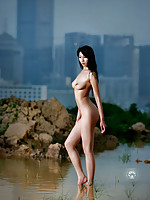 Leggy Chinese model outdoor nude pics