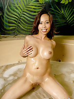 Jade Candy nude in hot tub