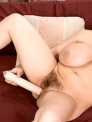 Big beautiful sunshine plays with her pussy