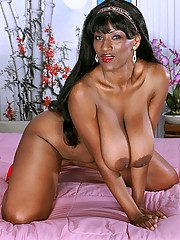 Voluptuous black girl shows some pink