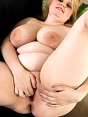 Horny plumper hungry for cock