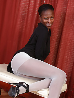 Free Ebony Pantyhose Galleries