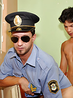 Young naked prisoner ass-fucks a mature policeman