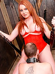 AVN award winner works over her slave in the dungeon