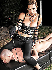 Ts mistress of pain Thayna Lozada in action