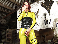 Super sexy shemale plays solo in latex