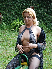 Big tit t-girl masturbates outside