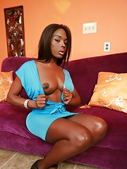Ebony TS goddess exposing her big dick