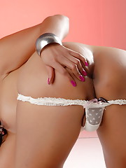 Irresistibly hot transsexual Vaniity stripping