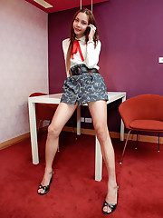 See hi-so ladyboy fires her meaty log