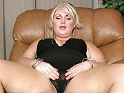 Beautiful tgirl jerking off her juicy cock