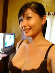 Photos of naked amateur Oriental girls
