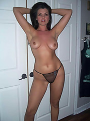 Pictures of a gorgeous MILF posing sexy
