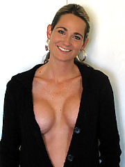 MILF with horrible boobjob