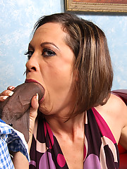 Tiny Cougar MILF fucks 2 young blacks eats cum