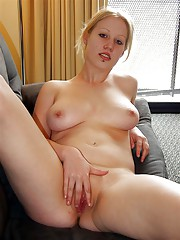 Big tittied blonde babe