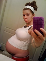 Amateurs messi  pregnant girlfriends
