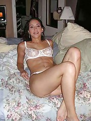 Photo gallery of a hottie wife in her sexy lingerie