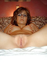 Picture collection of an amateur horny chick playing with her twat
