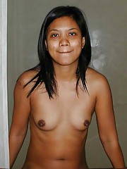 Photos of a kinky Filipina who got naked in a hotel room