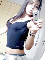 Photo gallery of a stunning chica camwhoring