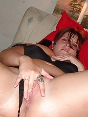 Photo gallery of a chunky chick pussy-playing