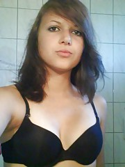 Picture collection of sexy amateur Niki selfshooting