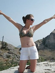 Picture collection of an amateur petite sexy chick posing