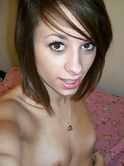 Skinny girl Riley submits her self shot pics