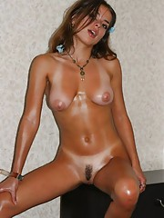 Gorgeous amateur wild hot naked oiled up chica posing