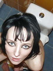 Naughty goth chick posing naked in the bath