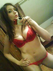 Picture compilation of an amateur sexy selfshooting chick in her lingerie