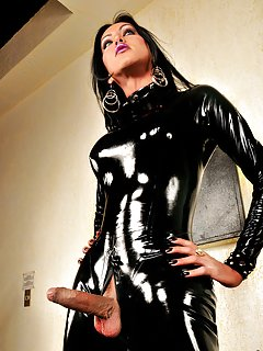 Tranny in Latex Pics
