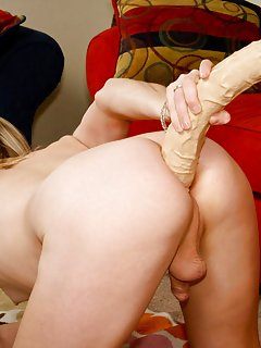 Tranny with Toys Pics